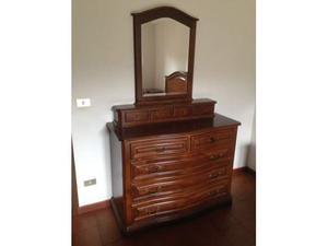 Camera da letto in stile classico in legno massello