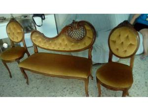 Divanetto e due sedie in buono stato