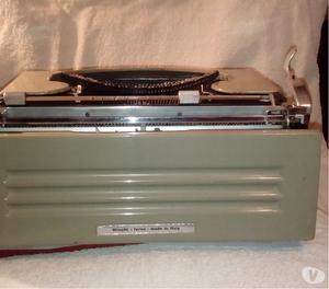 Olivetti Studio 42, macchina da scrivere del