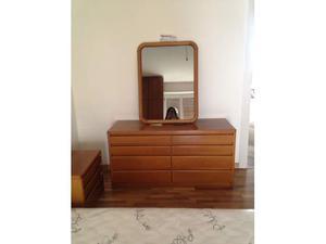 Specchio nuovo con cornice in legno