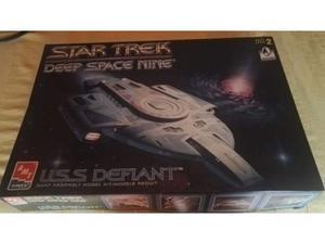 Kit Modellino AMT Star Trek USS Defiant