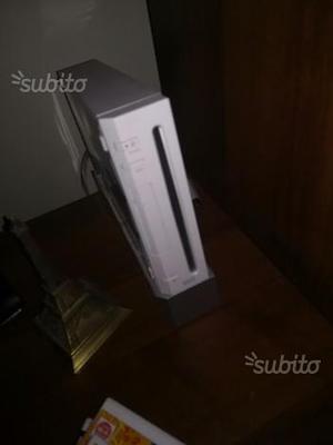 Wii bianca + 3 giochi e accessori