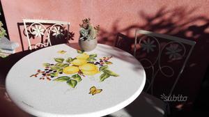 Tavolo da esterno in ceramica deruta