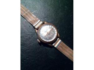 Offro orologio da donna vintage a carica manuale.