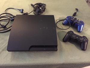 Playstation 3 slim 120gb + 2 joystick