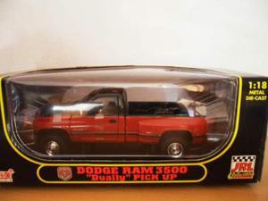 Modellini di auto e moto da collezione