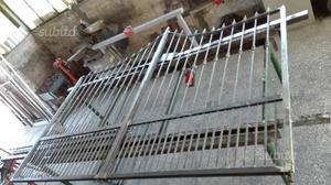 Cancelletto bimbi cancello scale calenzano posot class for Cancelletto per cani usato