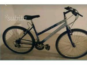 Mountain bike da donna misura 26