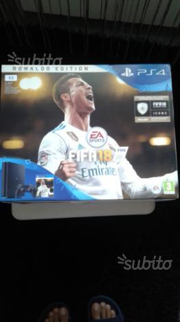 Playstation 4 Slim (1 terabyte) +Fifa 18