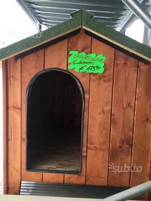 Cuccia in legno per cani di taglia grande