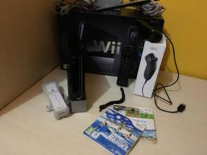 Nintendo Wii con 2 controller e 2 giochi