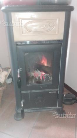 Seminuovi stufa a legna nordica in maiolica posot class - Stufa a legna nordica usata ...