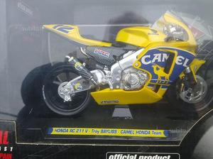 Honda RC211V Camel Honda Team scala1:10 Guiloy