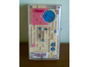 Vintage tomy hand held pocket rock n roll maze