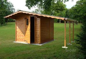 Travetti legno 7 x 9 x 300 cmtrave legno tetti posot class for Casetta con avvolgente portico