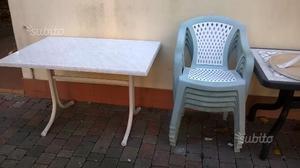 Tavolo rettangolare e 4 sedie