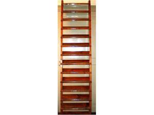 Antica scala massiccia da biblioteca in legno di ciliegio