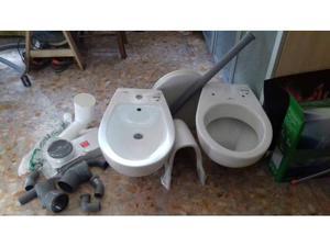 Coppia di sanitari water/bidet sospesi