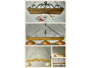 Lampadari rustici in ferro battuto e legno artigianali