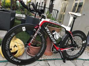 Specialized crono triathlon aereo bici corsa