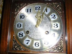 Splendido Orologio a Pendolo svizzero a parete anni