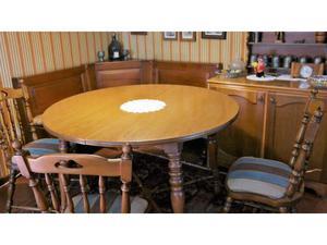 Tavolo e sedie sala da pranzo