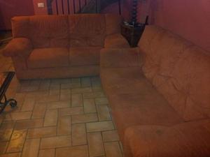 2 divani in alcantara da tre posti sanissimi