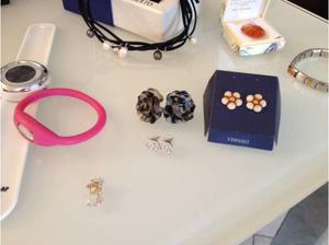 Braccialetti, collane, orologi, orecchini