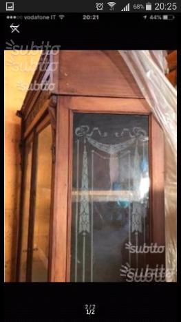 Cristalliera antica in legno