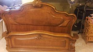 Letto matrimoniale in legno