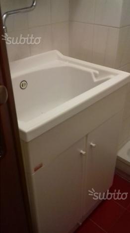 Mobile da bagno sopra lavandino posot class for Vendo mobile bagno