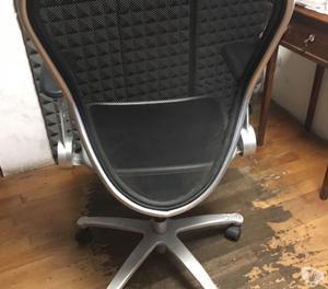 Poltrona ergonomica nera casa ufficio