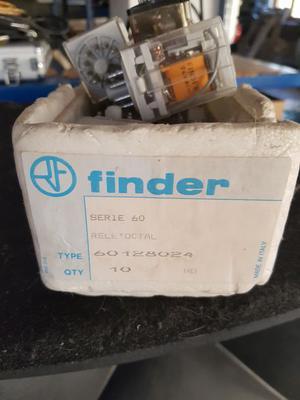 Relè finder serie a 250v
