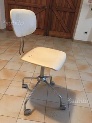 Sedia vintage anni 60 euro 10 posot class for Sedia ufficio gialla