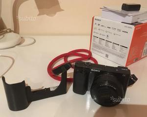 Fotocamera digitale mirrorless sony a