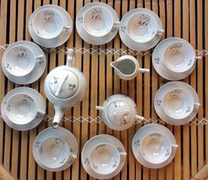 SERVIZIO da the in porcellana