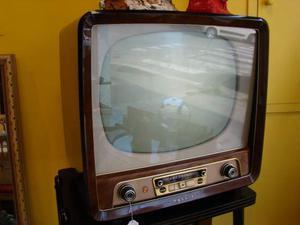 Antico televisore con carrello, anni '50, vintage philips