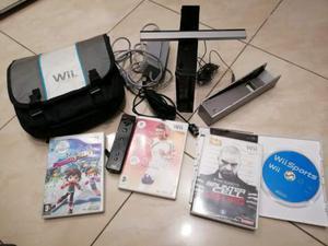 Consolle Nintendo Wii completa con 4 giochi originali
