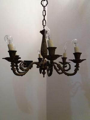 Lampadario in ottone a sei braccia