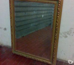 Specchio in stile antico, cornice dorata in legno