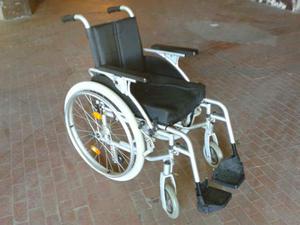 Cerco urgentemente in regalo carrozzina per disabili
