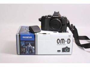 Fotocamera digitale mirrorless olympus om-d e-m5. solo