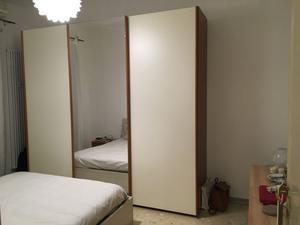 Armadio liberty con specchio posot class - Comodini a specchio ...