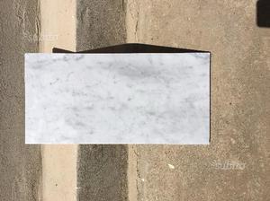 Piastrelle in marmo bianco Carrara