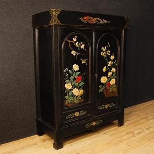 Armadio francese in legno laccato e dipinto a cineseria