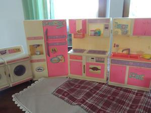 Cucina + Scrivania + Bagno + Armadio + Salotto di Barbie, da