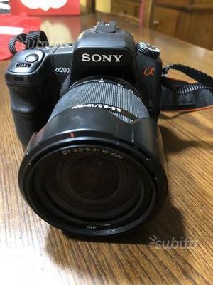 Fotocamera reflex digitale Sony alpha200