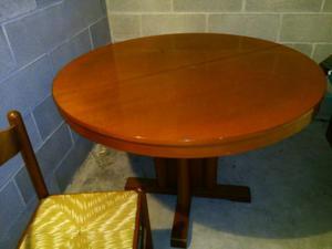 Tavolo rotondo estensibile e sedie