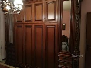Camera da letto classica noce massello