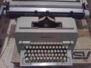 "Macchina da scrivere ""Vintage"" Olivetti"